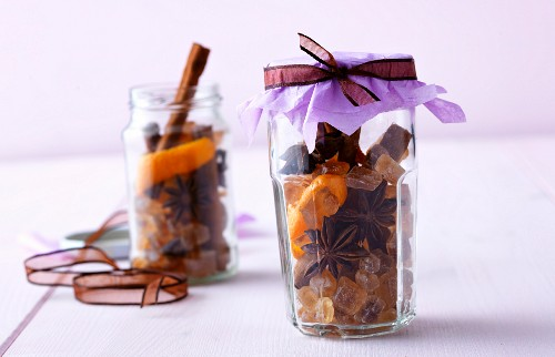 Spice mixture for mulled wine in decorative glasses as a gift