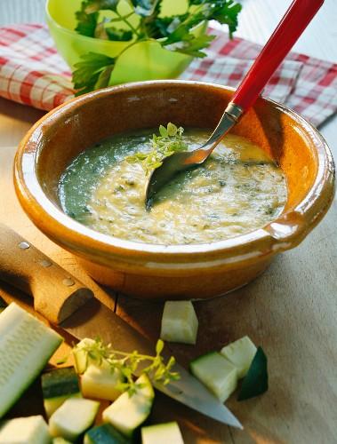 Crema di zucchine (cream of courgette soup, Italy)