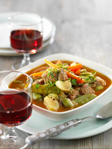 Lamb and vegetable stew with red wine