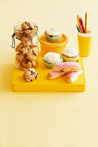Rock cakes, muffins and finger buns for an afternoon snack