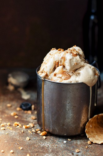 Brown ale ice cream with salted caramel and honey-coated peanuts