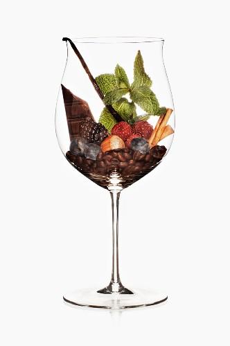 A symbolic image representing red wine aromas