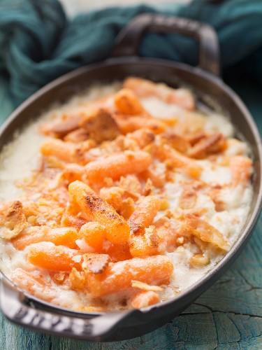 Zesty Carrots (carrot gratin with bread and horseradish, USA)
