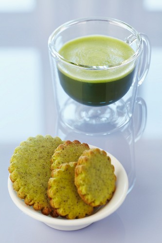 Matcha tea with matcha biscuits