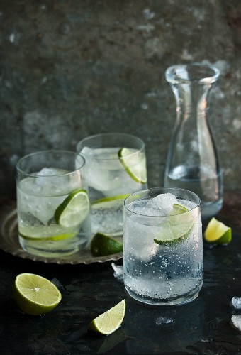 Gin & tonic with lime