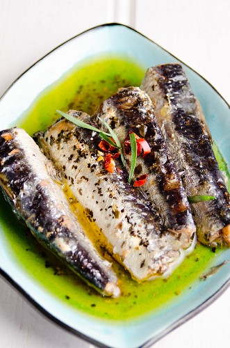 Tinned sardines in olive oil with lemon