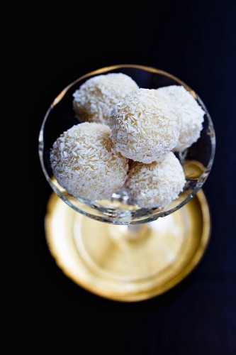 Coconut and marzipan balls