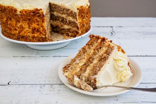 Hummingbird cake (banana and pineapple cake with cream cheese frosting)