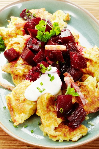 Shredded potato pancake with beetroot and sour cream