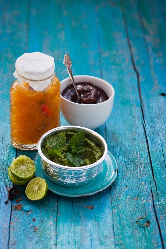 Mango chutney, mint chutney and sweet tamarind sauce