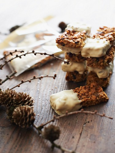 Muesli bars with white chocolate as a Christmas present
