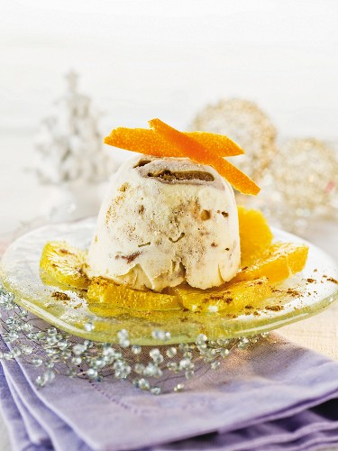 Gingerbread parfait with oranges for Christmas