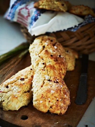 Bread with pink peppercorns