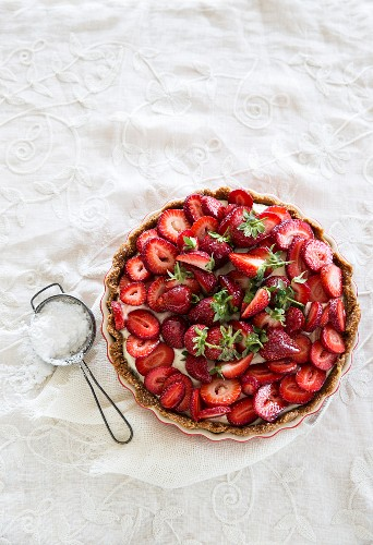 Chilled strawberry tart