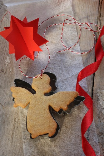 An angel-shaped butter biscuit (Christmas)