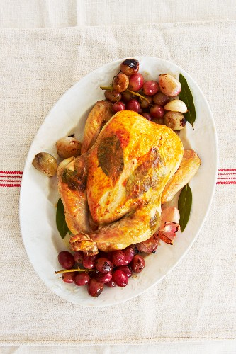 Roast chicken with grapes