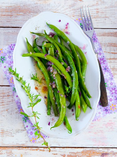 Green beans with onions and rosemary