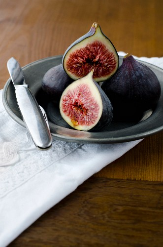 Figs on a grey plate