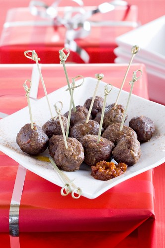 Meatball with gingerbread for Christmas