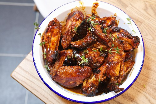 Glazed grilled chicken wings