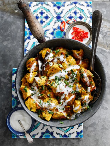 Chicken with coriander, mint and yoghurt