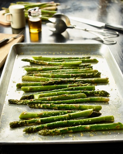 Roasted organic asparagus with sea salt and herbs