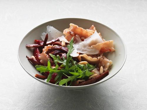 Vegetarian mafaldine with seitan in a damson and port wine jus
