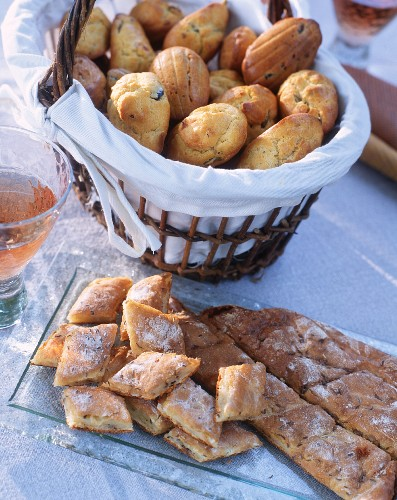 Fougasse, a basket of madeleines and an aperitif
