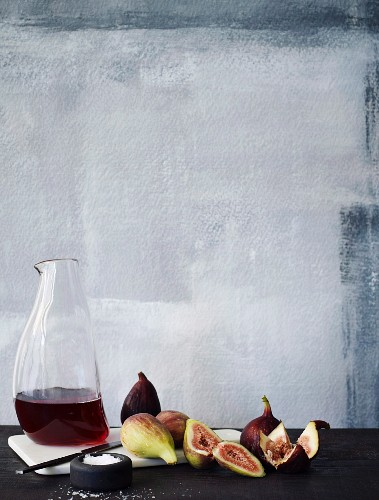 Figs and red wine