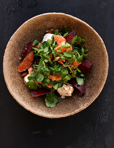 An autumnal salad with beetroot, grapefruit and cheese