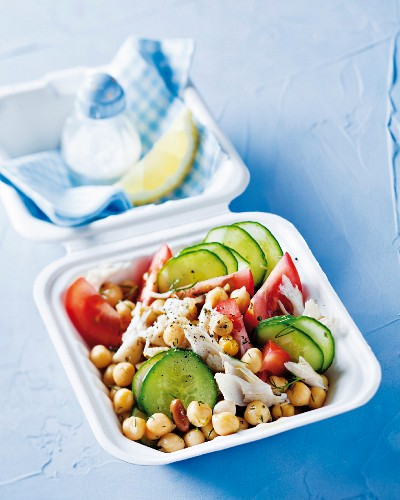 Chickpea salad with fish fillet