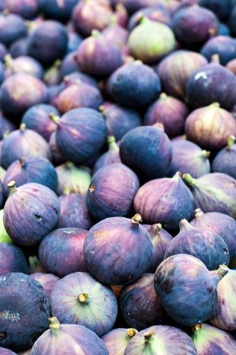 Organic Figs at a Farmer's Market