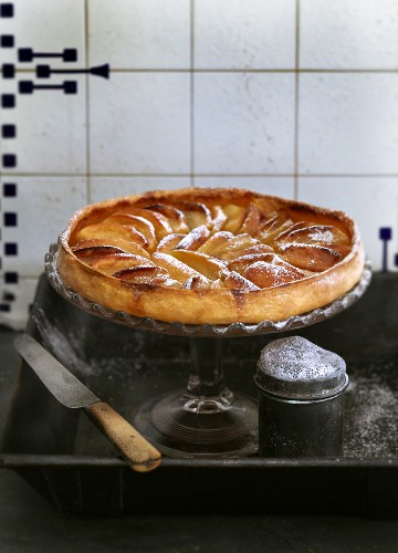 Apple tart with icing sugar