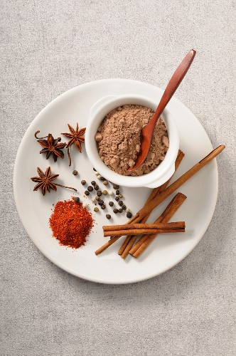 Cocoa powder and various spices (seen from above)