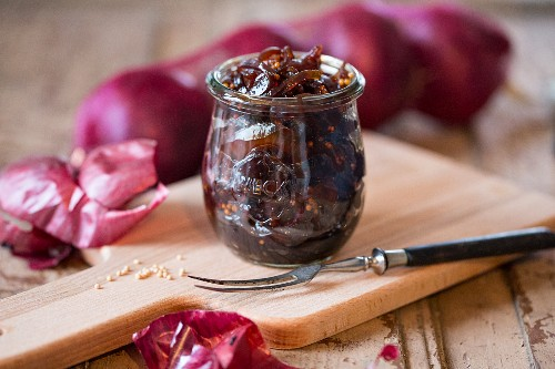 Braised onions in port wine, cassis liqueur and balsamic vinegar with mustard seeds