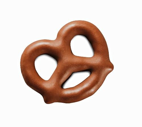 A mini chocolate pretzel (close-up)