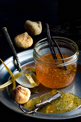 Fig jam with vanilla and dried mountain figs