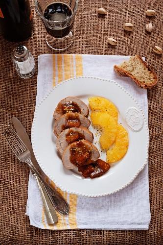 Schweinefilet süss-sauer mit karamellisierten Ananas & Pistazien