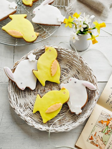 Easter bunny and Easter chick biscuits