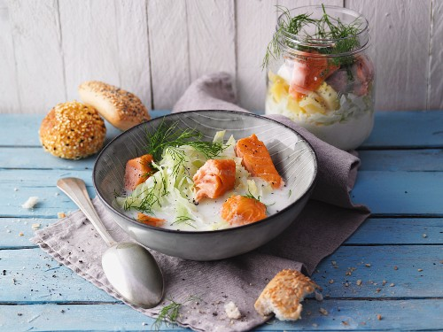 Pointed cabbage soup with salmon from a jar