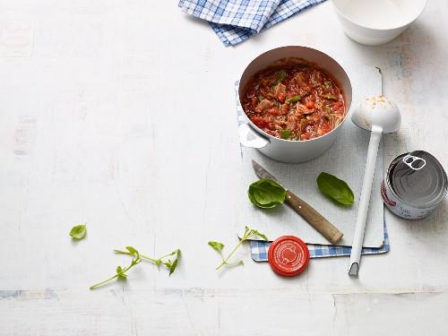 Quick tomato soup with tuna fish (Paleo diet)