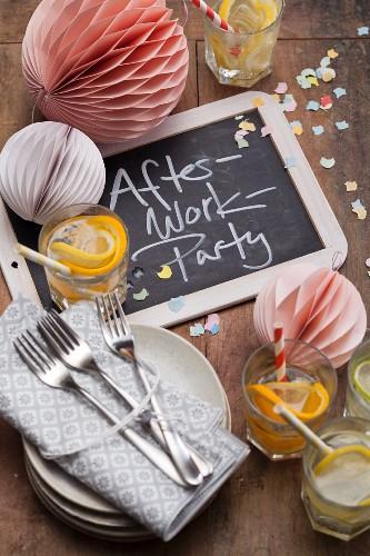 Geschirr & Deko für die After-Work-Party