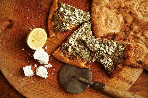 Unleavened bread with goats cheese and pesto with Afghan bread