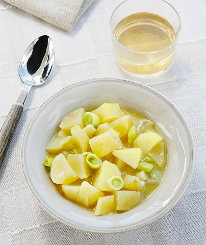 Leek and potato soup (Basque country, Spain)