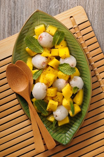 Mango salad with lychees and peppermint
