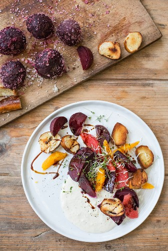 Beetroot with a salt crust with oranges