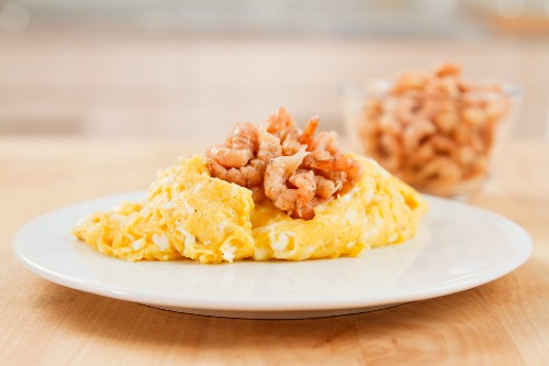 Scrambled eggs with North Sea shrimps