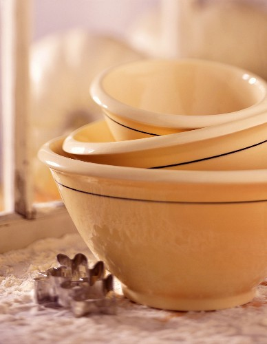 Stacked Mixing Bowls; Flour and Cookie Cutters