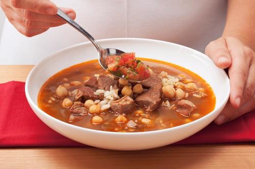 Harira (Moroccan ramadan soup with chickpeas)