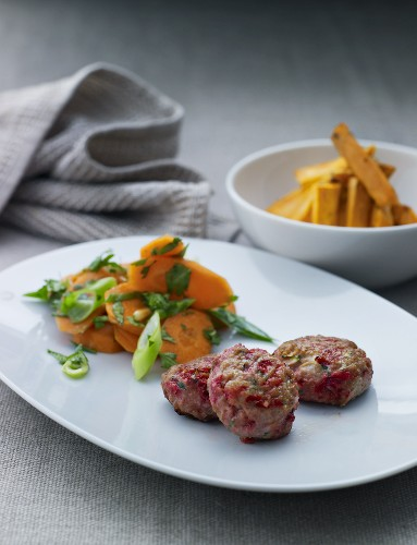 Burgers with a carrot salad